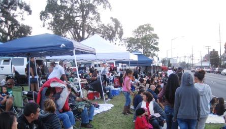 Waimea parade crowd