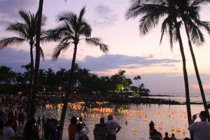 Floating-Lanterns-in-Pauoa-Bay
