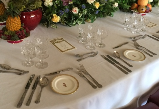place setting, banquest room